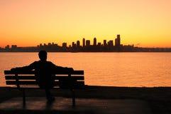 Salida del sol de observación sobre Seattle fotografía de archivo