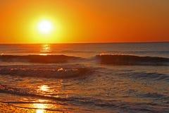 Salida del sol de Océano Atlántico Fotografía de archivo