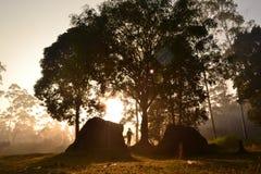 Salida del sol de oro foto de archivo