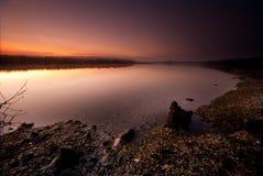 Salida del sol de oro del río Imagen de archivo libre de regalías