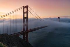 Salida del sol de puente Golden Gate imagen de archivo libre de regalías