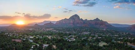 Salida del sol de Sedona Arizona imagen de archivo libre de regalías