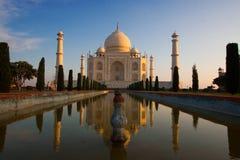 Salida del sol de Taj Mahal Imágenes de archivo libres de regalías
