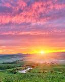 Salida del sol de Toscana Imagen de archivo libre de regalías