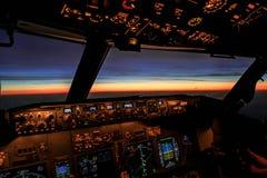 Salida del sol de un avión Imagen de archivo libre de regalías
