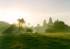 Salida del sol de Wat del ancla imagen de archivo libre de regalías