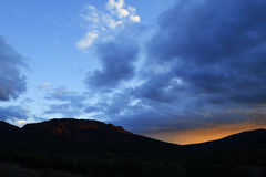 Salida del sol de Wilpena Imagen de archivo libre de regalías