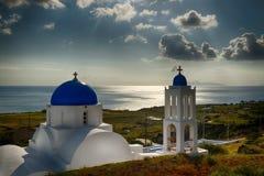 Salida del sol del área de Vourvoulos, Santorini Grecia Imagen de archivo libre de regalías