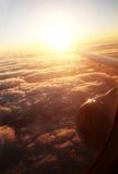 Salida del sol del aeroplano imagenes de archivo