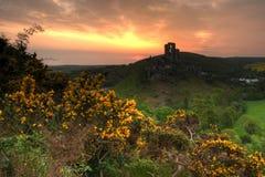 Salida del sol del castillo de Corfe foto de archivo libre de regalías