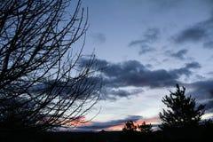 Salida del sol del cielo azul fotografía de archivo libre de regalías
