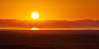 Salida del sol del desierto Imágenes de archivo libres de regalías