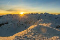 Salida del sol del invierno en el Tatras Fotografía de archivo