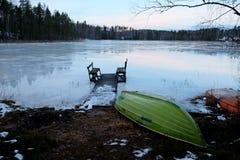 Salida del sol del invierno por el lago Imágenes de archivo libres de regalías