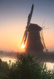 Salida del sol del molino de viento Imagen de archivo