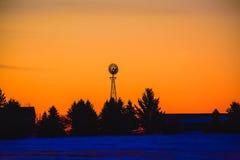 Salida del sol del molino de viento fotos de archivo libres de regalías