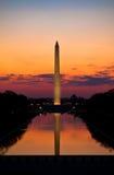 Salida del sol del monumento de Washington imagenes de archivo