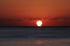 Salida del sol del océano Fotografía de archivo libre de regalías