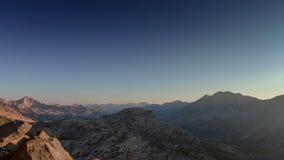 Salida del sol del paso de montaña metrajes