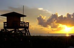 Salida del sol del salvavidas Foto de archivo