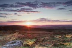 Salida del sol del Tor de la silla de montar a Teignmouth y al mar Imagen de archivo libre de regalías