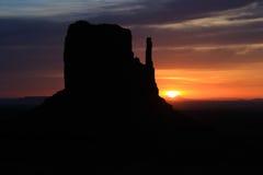 Salida del sol del valle del monumento Imágenes de archivo libres de regalías
