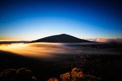 Salida del sol del volcán Foto de archivo libre de regalías