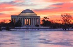 Salida del sol del Washington DC sobre Jefferson Memorial Foto de archivo libre de regalías