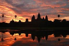 Salida del sol del wat de Angkor Imagen de archivo