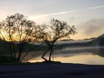 Salida del sol dominante Bluefield WV de la presa imagen de archivo libre de regalías
