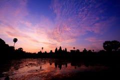 Salida del sol en Angkor Wat Fotografía de archivo