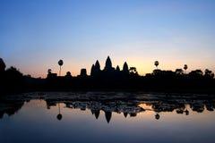 Salida del sol en Angkor Wat Foto de archivo libre de regalías