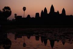 Salida del sol en Angkor Wat en Camboya Imagen de archivo libre de regalías