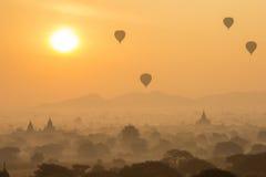 Salida del sol en bagan Foto de archivo libre de regalías