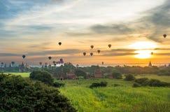 Salida del sol en Bagan, Myanmar imagen de archivo