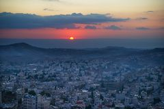 Salida del sol en Bethlehem, Palestina, Israel Foto de archivo