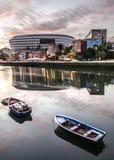 Salida del sol en Bilbao Foto de archivo libre de regalías