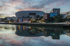 Salida del sol en Bilbao Imagen de archivo