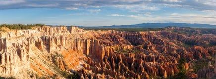 Salida del sol en Bryce National Park Imágenes de archivo libres de regalías