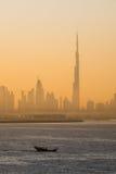 Salida del sol en Dubai Imagen de archivo libre de regalías