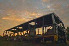 Salida del sol en el autobús abandonado viejo en el EL Rincon, Cuba Fotografía de archivo libre de regalías