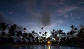 Salida del sol en el centro turístico de Punta Cana Fotos de archivo
