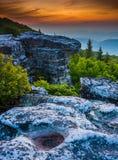 Salida del sol en el coto de las rocas del oso, en Dolly Sods Wilderness, Monon Imágenes de archivo libres de regalías