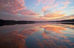 Salida del sol en el lago Ohio Atwood Fotografía de archivo libre de regalías