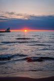 Salida del sol en el lago Superior Foto de archivo