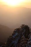 Salida del sol en el mar de nubes Fotografía de archivo libre de regalías