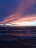 Salida del sol en el mar Mediterráneo Foto de archivo libre de regalías