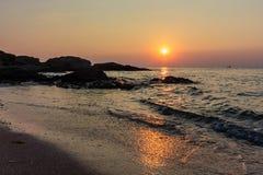 Salida del sol en el Mar Negro Imágenes de archivo libres de regalías
