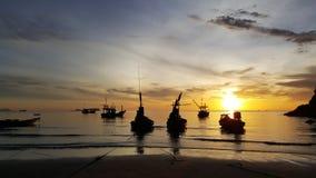 Salida del sol en el mar tailandés Fotos de archivo libres de regalías