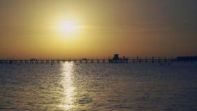 Salida del sol en el Océano Índico almacen de video
